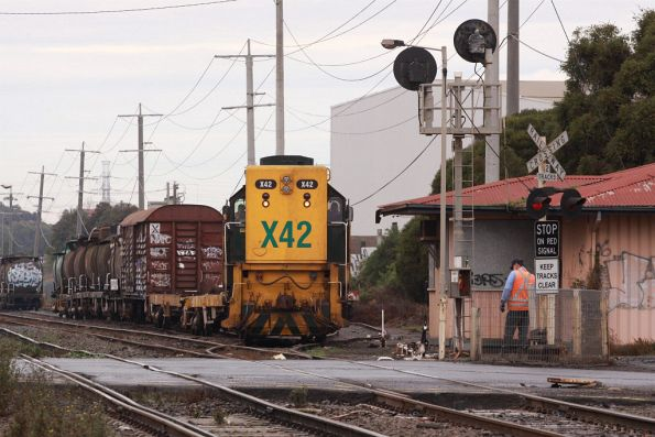 X42 heads off with the first rake of wagons to be scrapped