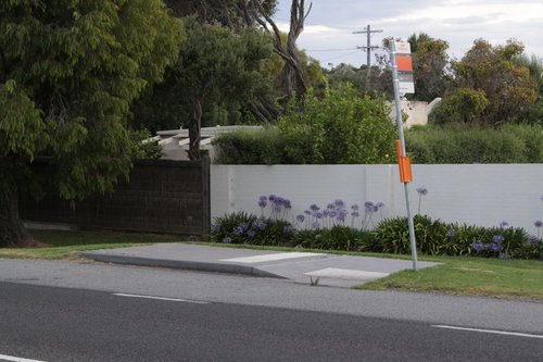DDA compliant bus stop on Point Nepean Road, Blairgowrie
