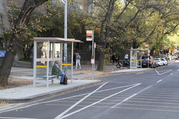 Grattan Street bus stops for route 402 and 546 relocated due to Metro Tunnel works