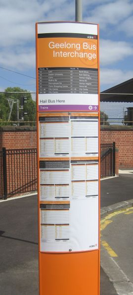 New Viclink style bus stop totem at Geelong Station