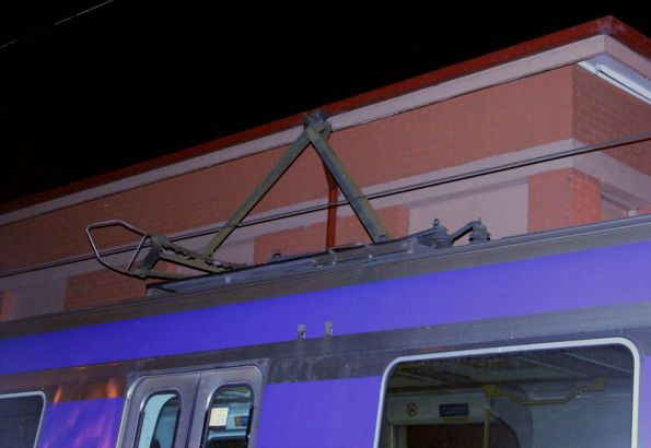 Connex - Damaged pantograph and overhead, April 2009