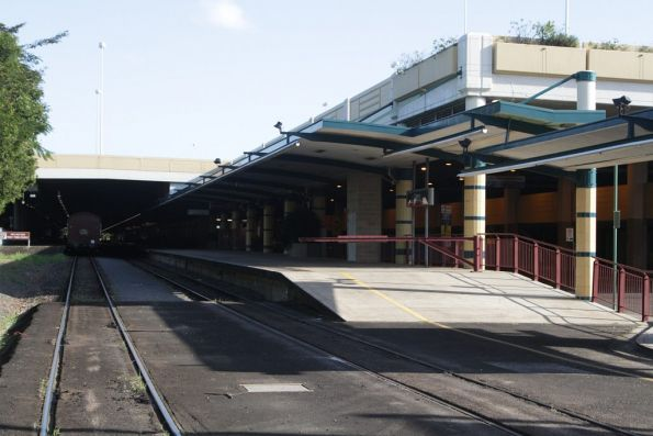Southern end of the platform at Cairns station