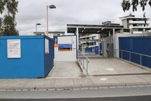 Entrance to Carnegie station platform 2