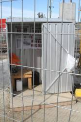 Site hut for traffic controllers at the Poath Road level crossing at Hughesdale station