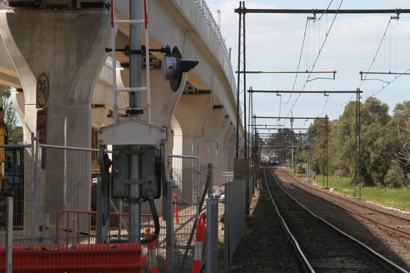Siemens 780M on the up at Corrigan Road, Noble Park