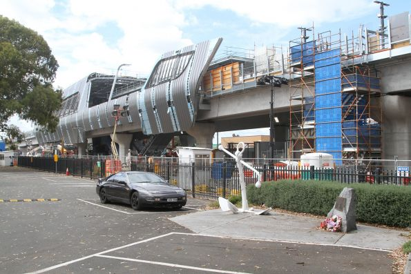 New elevated station taking shape at Noble Park