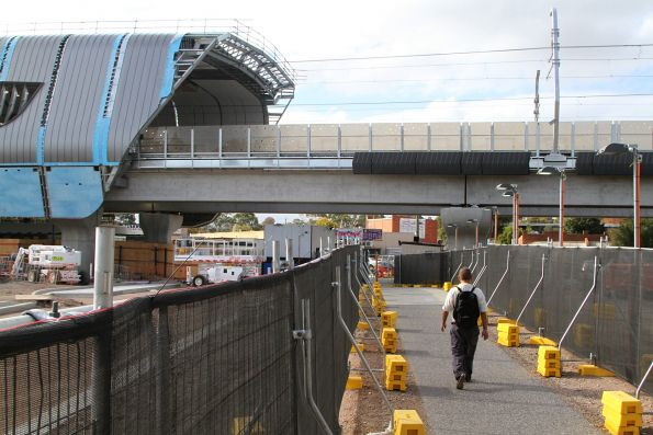 Temporary access to the new elevated Noble Park station