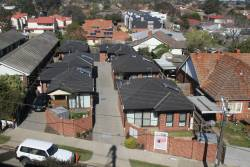 Looking down on houses between Hughesdale and Murrumbeena stations