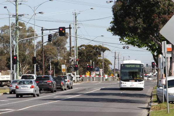 CDC Melbourne #76 rego 6167AO on a route 408 service along Furlong Road
