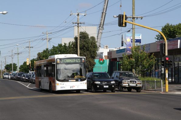 CDC Melbourne 5500AO on a route 423 service at St Albans