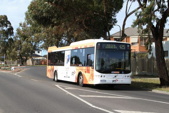 CDC Melbourne bus #91 9071AO on route 425 in Sydenham