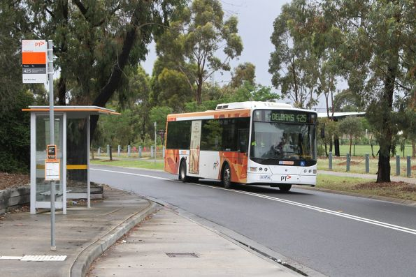 CDC Melbourne bus #74 6139AO on route 425 in Delahey