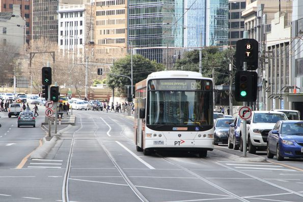 CDC Melbourne bus #123 7513AO on route 605 at Queensbridge and Power Street