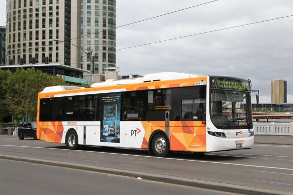 CDC Melbourne hybrid bus #162 BS05HK on route 605 crosses Queens Bridge