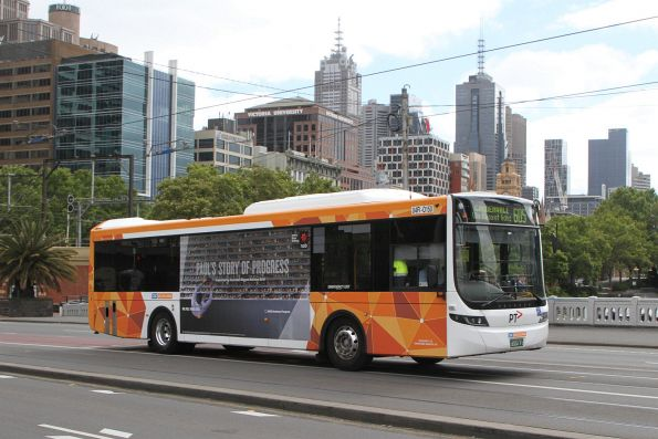 CDC Melbourne bus #150 BS04FI on route 605 crosses Queens Bridge