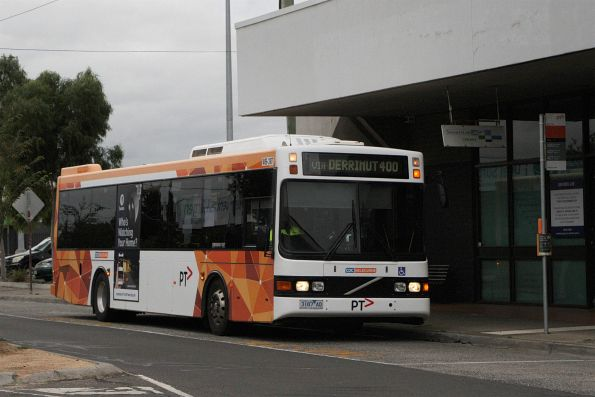 CDC Melbourne bus #89 3187AO on route 400 along Sun Crescent, Sunshine