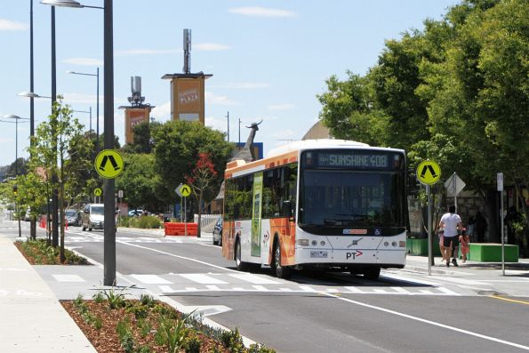 CDC Melbourne bus #91 9071AO on route 408 heads along a redeveloped Hampshire Road in Sunshine