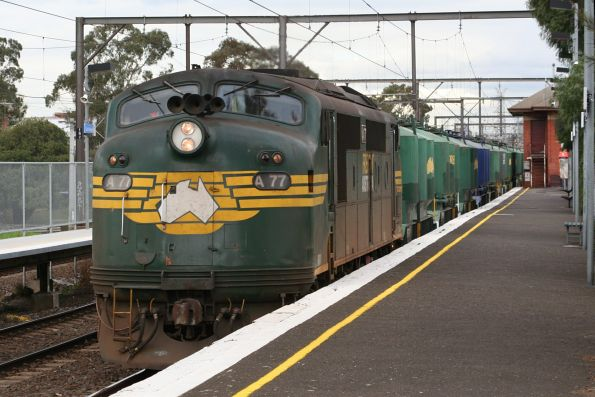 Waurn Ponds cement train