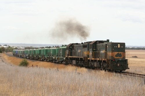 H4 and X31 on the Waurn Ponds Cement at Grovedale
