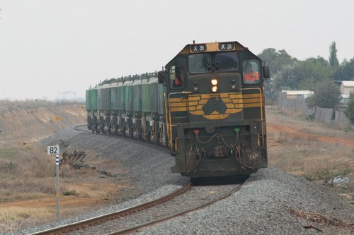 X31 at Grovedale, returning from Waurn Ponds with loaded cement wagons