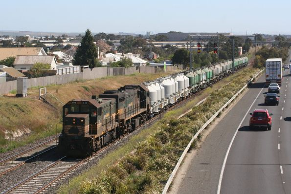 H4 and X31 depart North Geelong Yard bound for Waurn Ponds