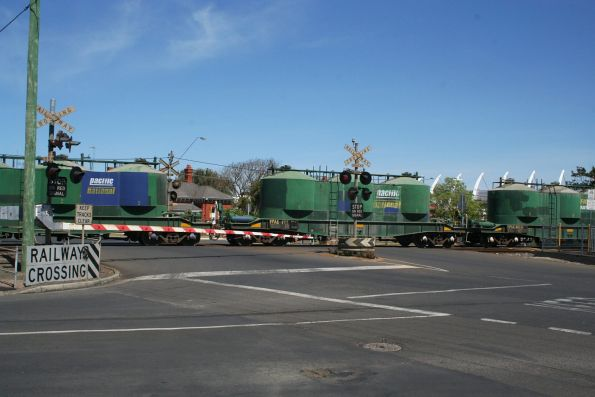 Up cement train crosses the Yarra Street level crossing at South Geelong