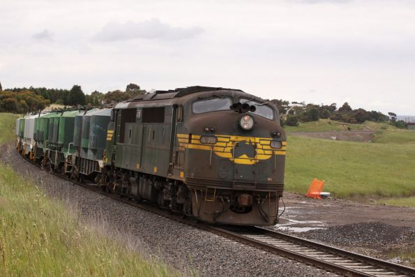 The shunt takes loaded cement hoppers to Gheringhap for the down Mildura freight to pick up