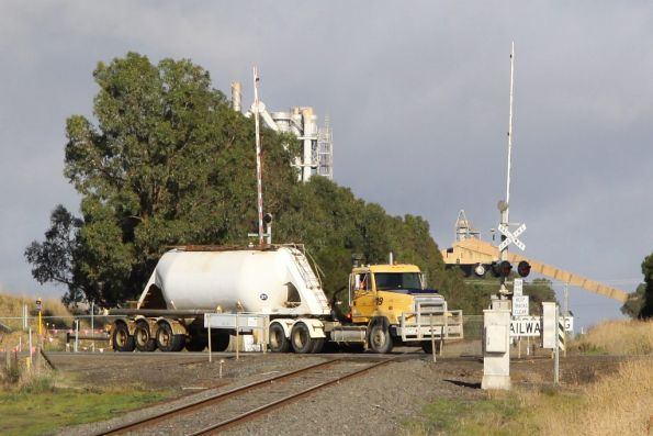 Semi-trailer from the Waurn Ponds cement works bashing the hell out of Anglesea Road, bound for the Geelong Ring Road