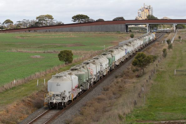Down cement train about to pass under Anglesea Road, bound for the Waurn Ponds cement works