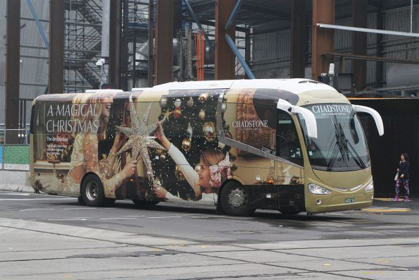 Chadstone shuttle bus BS02ZU in Christmas 2019 livery at Federation Square