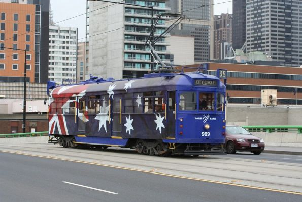 SW6.909 in Australia Day livery on La Trobe Street