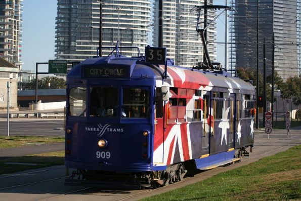 SW6.909 painted in a special Australia Day livery, eastbound at Flinders Street Extension and Batmans Hill Drive