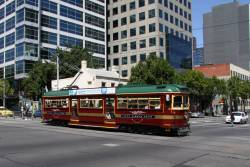 City Circle tram at the corner of King and La Trobe Streets