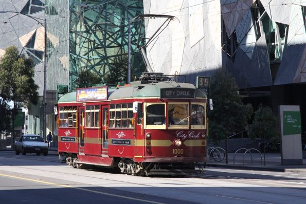 City City tram W6.1000 westbound at Flinders and Swanston Streets