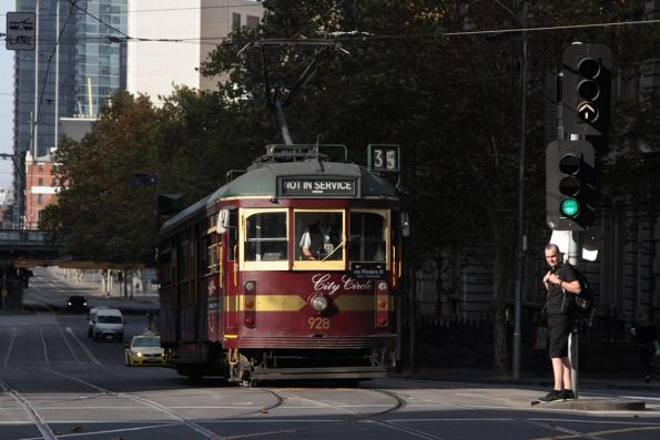 SW6.928 heads north on Spencer Street at Collins Street