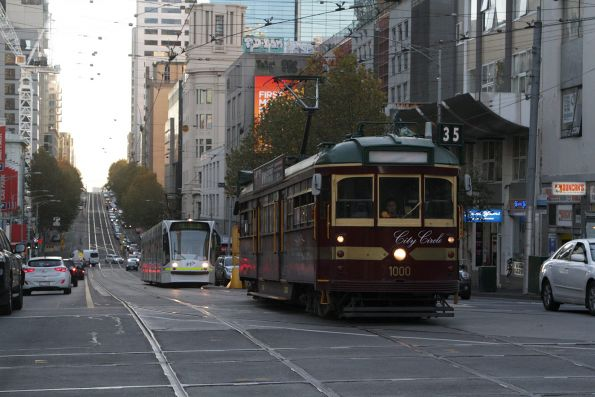 W6.1000 eastbound at La Trobe and Swanston Street