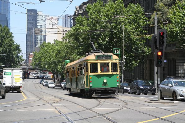 W8.946 heads northbound at Spencer and Collins Street