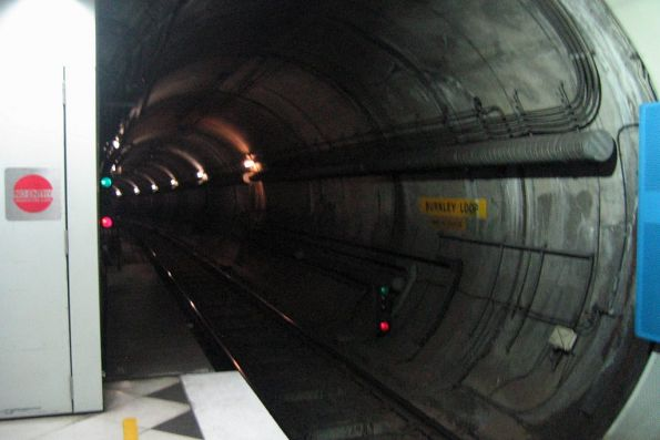 Burnley Loop tunnel at Parliament station