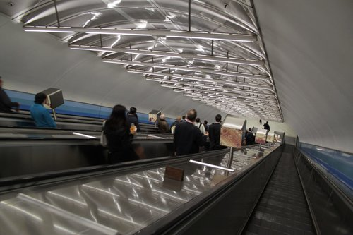 Climbing out of Parliament station