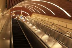 Escalators from Flagstaff station platforms 3/4 to platforms 1/2