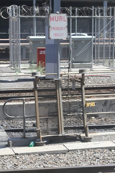 MURL emergency trolley at the Caulfield Loop portal at Southern Cross