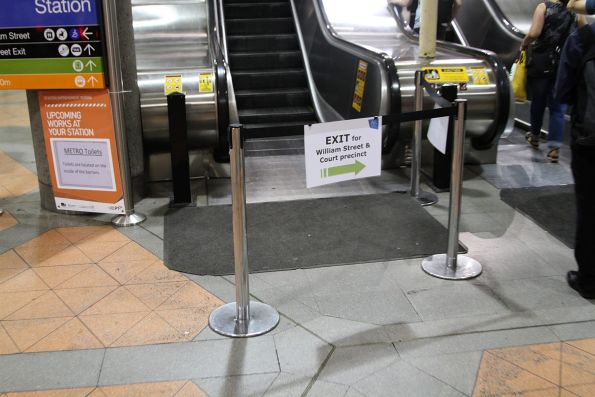 'Escalators to William Street' sign at Flagstaff station