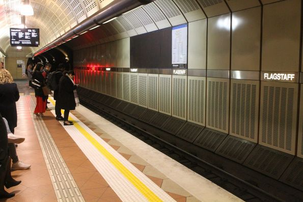 New tactile paving added to the Caulfield Loop platform at Flagstaff station