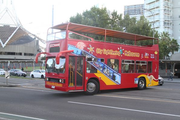 City Sighteeing bus 9353AO on St Kilda Road outside the Arts Centre