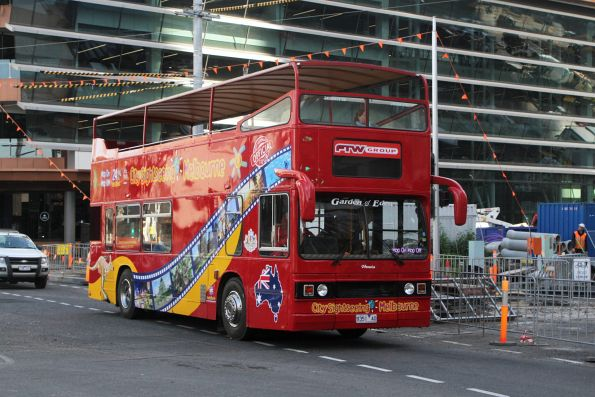 City Sightseeing bus 9351AO at Sturt Street and Southbank Boulevard