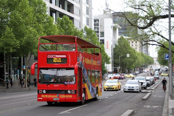 City Sightseeing Melbourne bus BS00GS on La Trobe Street