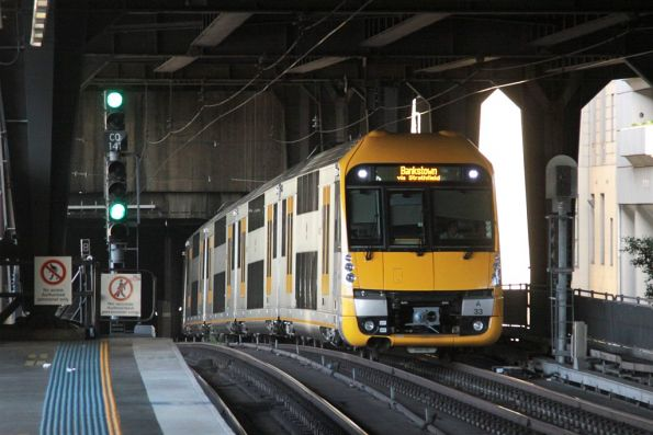 Waratah set A33 arrives into Circular Quay station on the City Inner