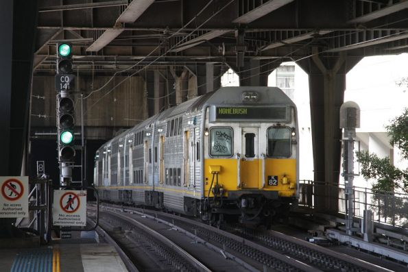 Set K82 arrives into Circular Quay on the City Inner track