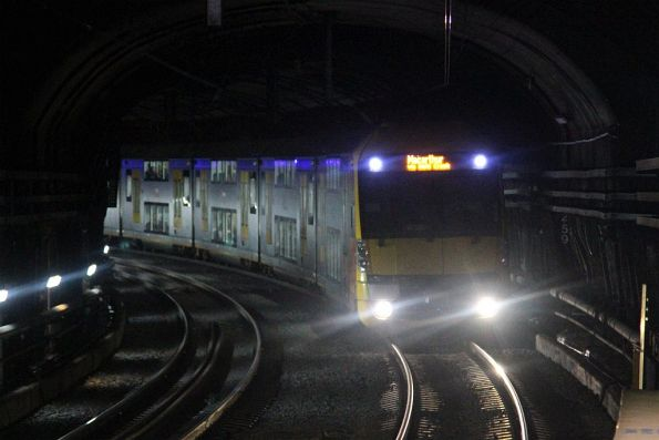Waratah train arrives into Green Square station on the down