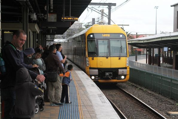 Waratah set A67 arrives into Central station on an up service